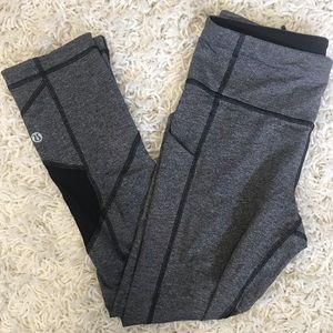 grey lululemon cropped leggings